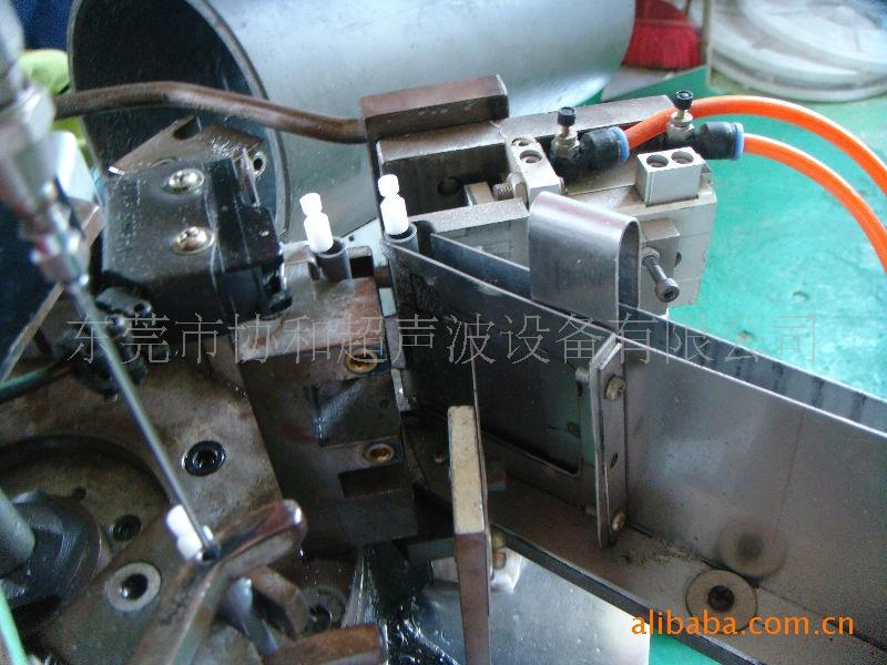 供应非标自动机,焊接注油式自动机图片,供应非标自动机,焊接注油