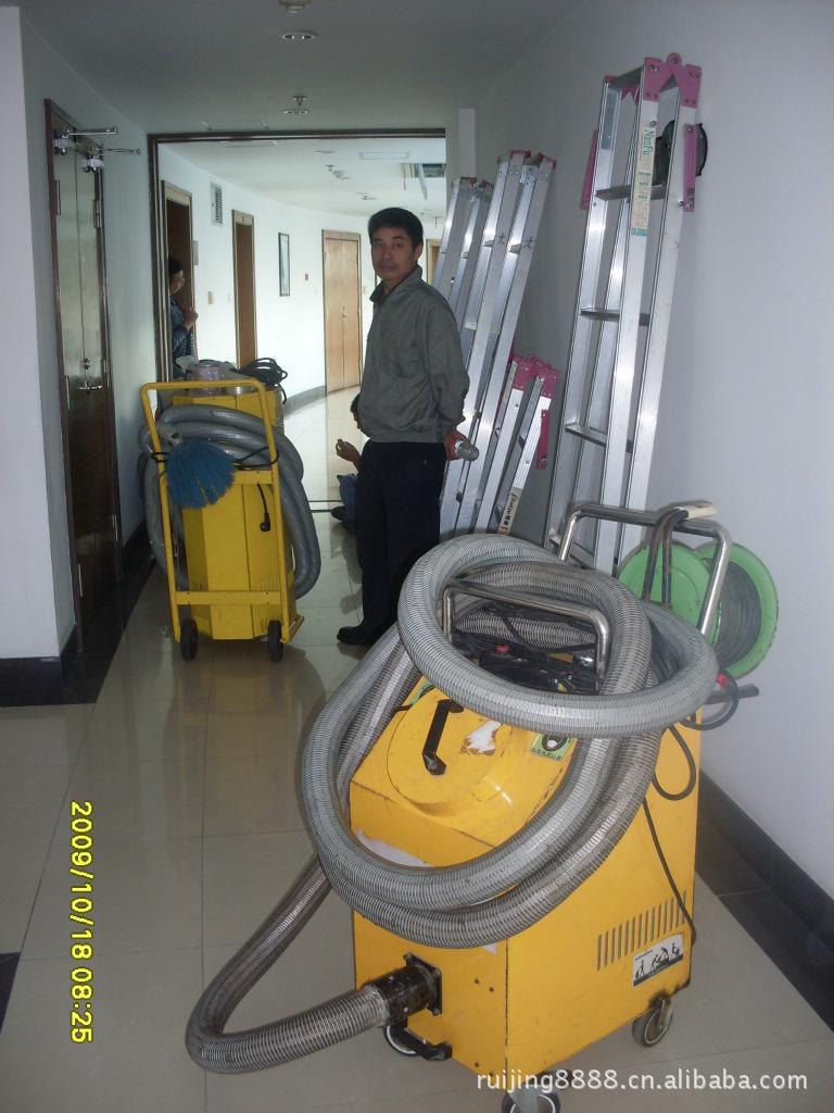 洗/风管清洗/通风管道清洗消毒 图片-中央空调清洗机器人 中央空调机
