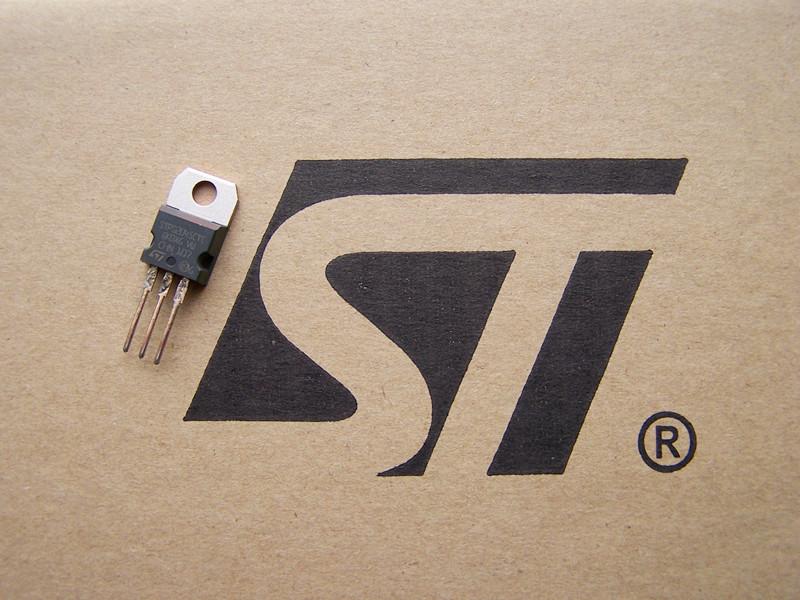 供应意法半导体原装进口肖特基二极管 STPS2045CT