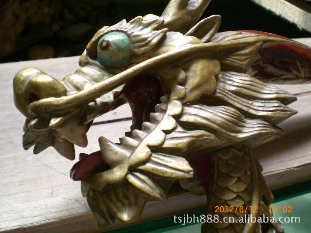 批发纯手工雕刻龙头拐杖 稀少木料木质细腻轻
