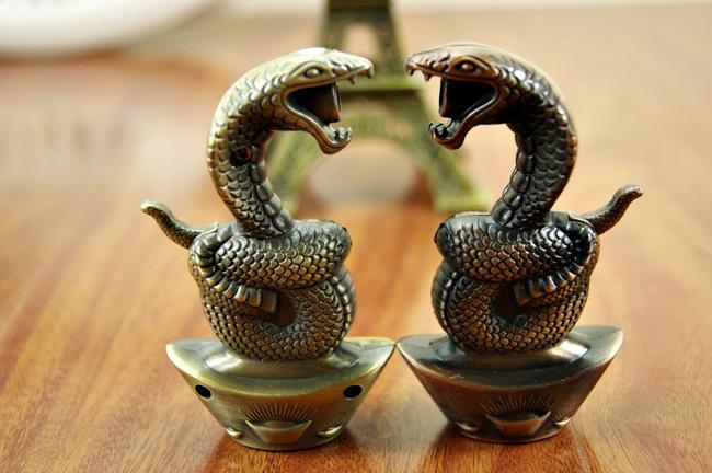 创意蛇形打火机 生肖星座外形 金属蛇喷火尊贵