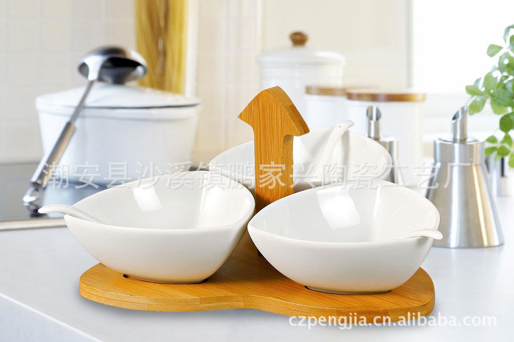 优质3陶瓷碗配竹架 简约实用价廉陶瓷碗