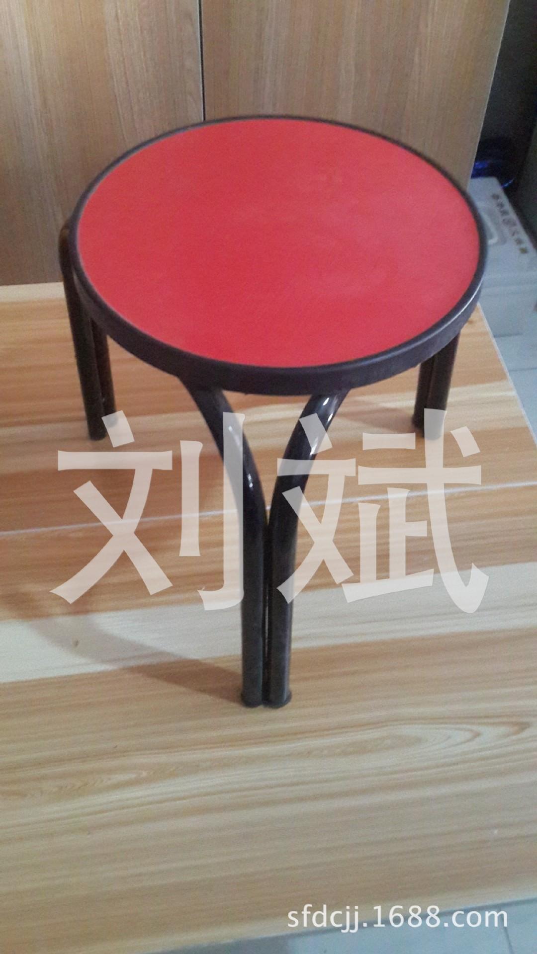 16圆钢管木板凳子 凳子 促销小凳子 质量可靠