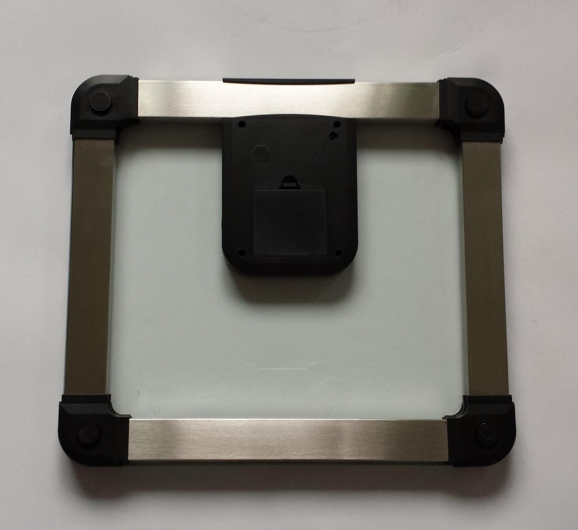 厂家直销超厚超大尺寸不锈钢材质语音人体电子称精准(中文报数)