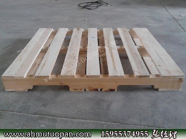 刨光后的木托盘